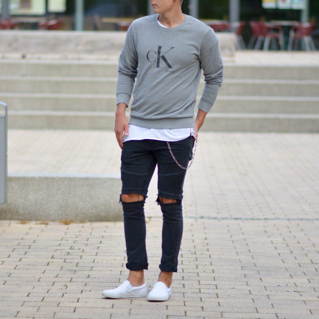 Calvin Klein with exclusive 3